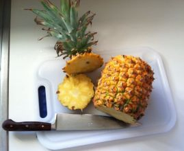 pineapple with stem cut off