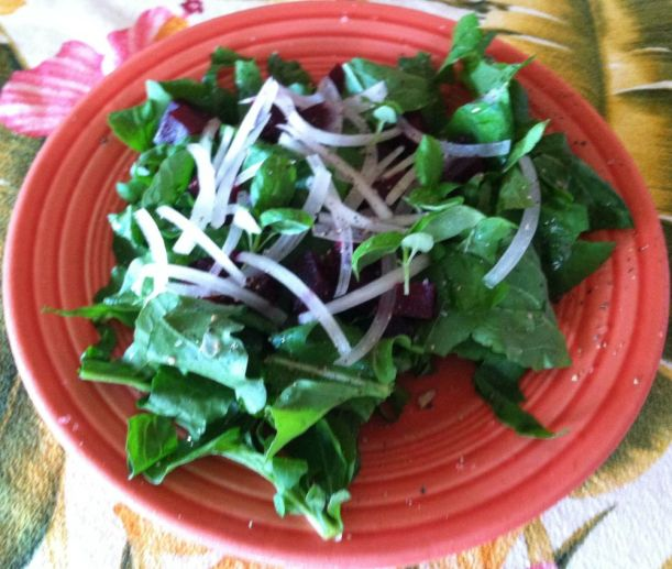Arugula salad with basil thinnings