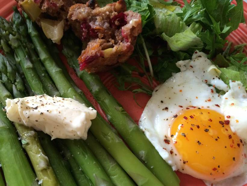 Muffin with egg and asparagus