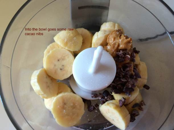sliced banana, pb, salt, cacao nibs